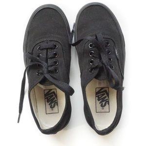 Vans big boys size 4 girls 5.5 black sneaker laces